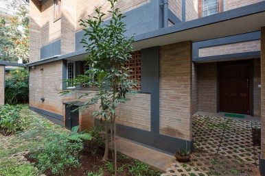 Ann and Rebecca's House at Bangalore by Biome Environmental Solutions-32722882252_3d5f9ec98a_z