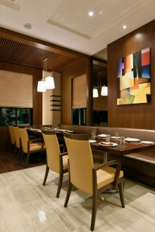 Flavours 'n' Spice Restaurant at Matunga, by GA Designs
