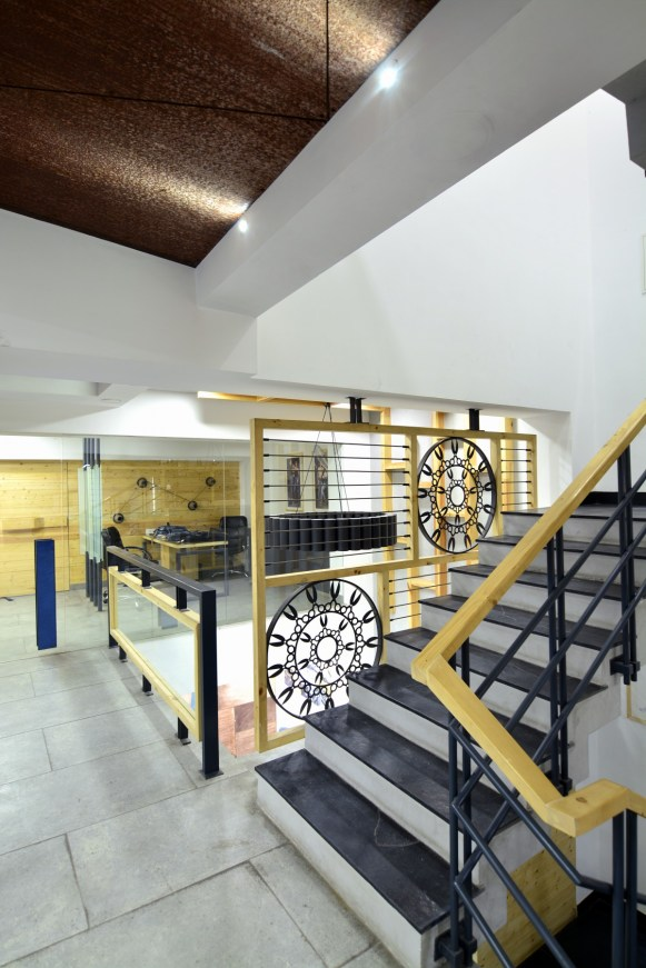 10 Double height space with customized screen between staircase and double height area