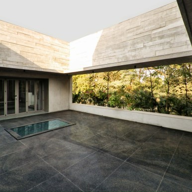 Private Residence No. 07 at Ahmedabad by FLXBL DESIGN CONSULTANCY