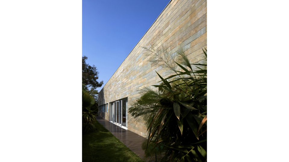 Fort House at Jubilee Hills, Hyderabad, by Sameep Padora and Associates 2