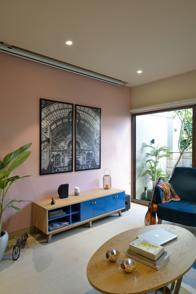 Interior Design: Krisha's Residence at New Delhi, by Spaces Architects @ka 17