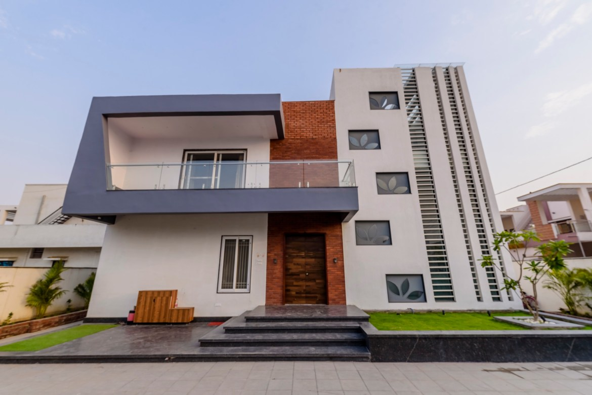 Chandan Villa - Residence for Mr. Vijay Sankhala at Durg, by Rishabh Luniya and Associates 1