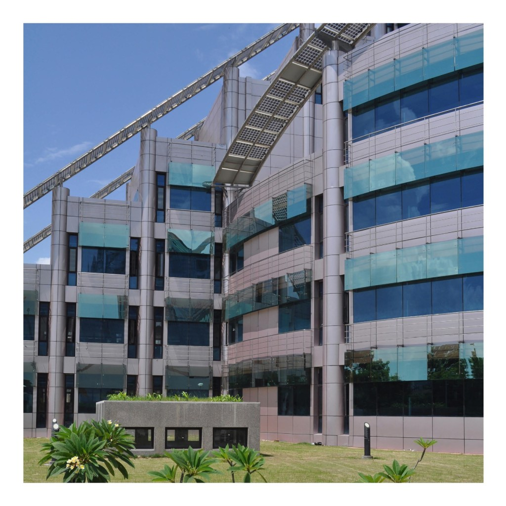 COAL India Limited, Kolkata, by Raj Rewal Associates 11