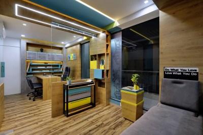 Office space by Manoj Patel Design Studio