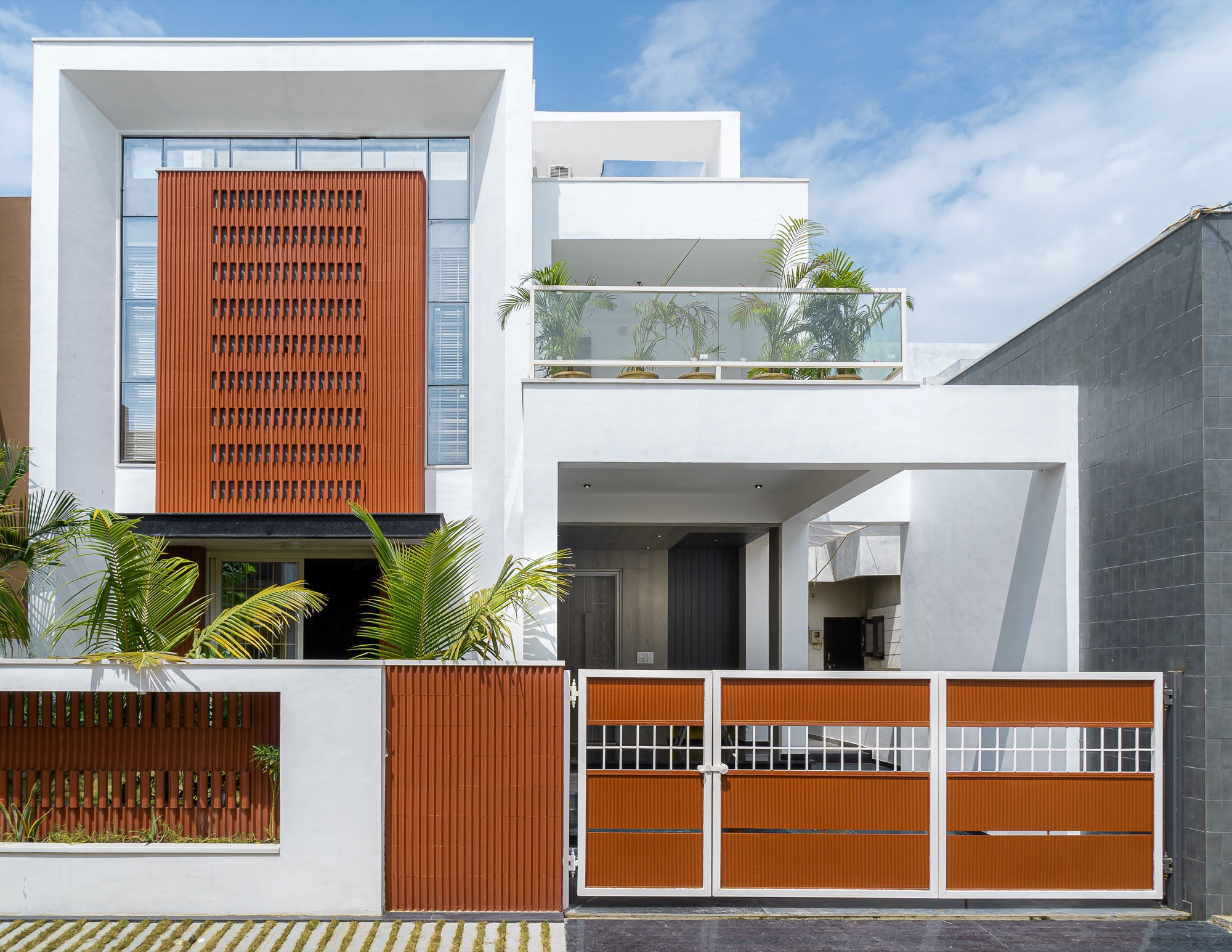 Manoj Patel Design Studio Reuses The Clay Roof Tiles In Vadodara Residence To Minimize The Glare From Direct Sun Light Architecturelive