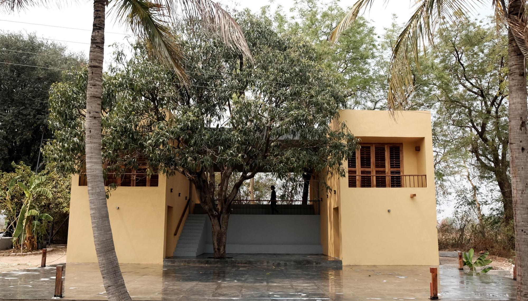 Mango Tree House at Saatnavri, Maharashtra, India by Samvad Design Studio, Bengaluru 119