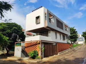 House on The Sloping Road, at Bangalore, India, by 6mmdesigns