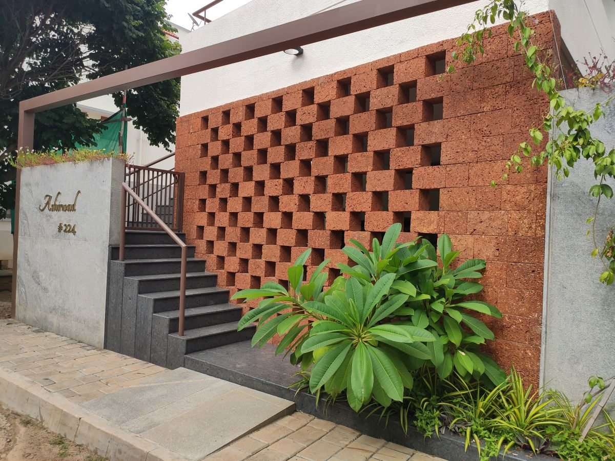 House on The Sloping Road, at Bangalore, India, by 6mmdesigns 6