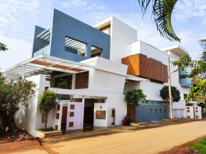 Urban Adobe, at Tumkur, by Studio WhiteScape