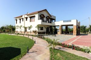Holiday Home, at Bhopal, by KR Associate
