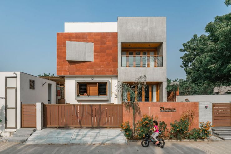 Parallel Volumes, at Ahmedabad, India, by urbscapes