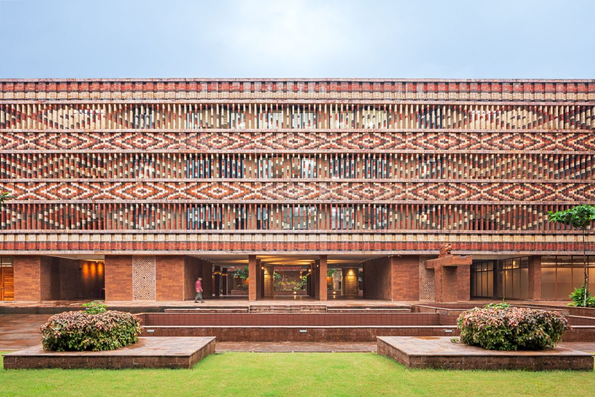 Krushi Bhawan   150 Local Artisans Come Together to Craft a Civic Building in India, by Studio Lotus