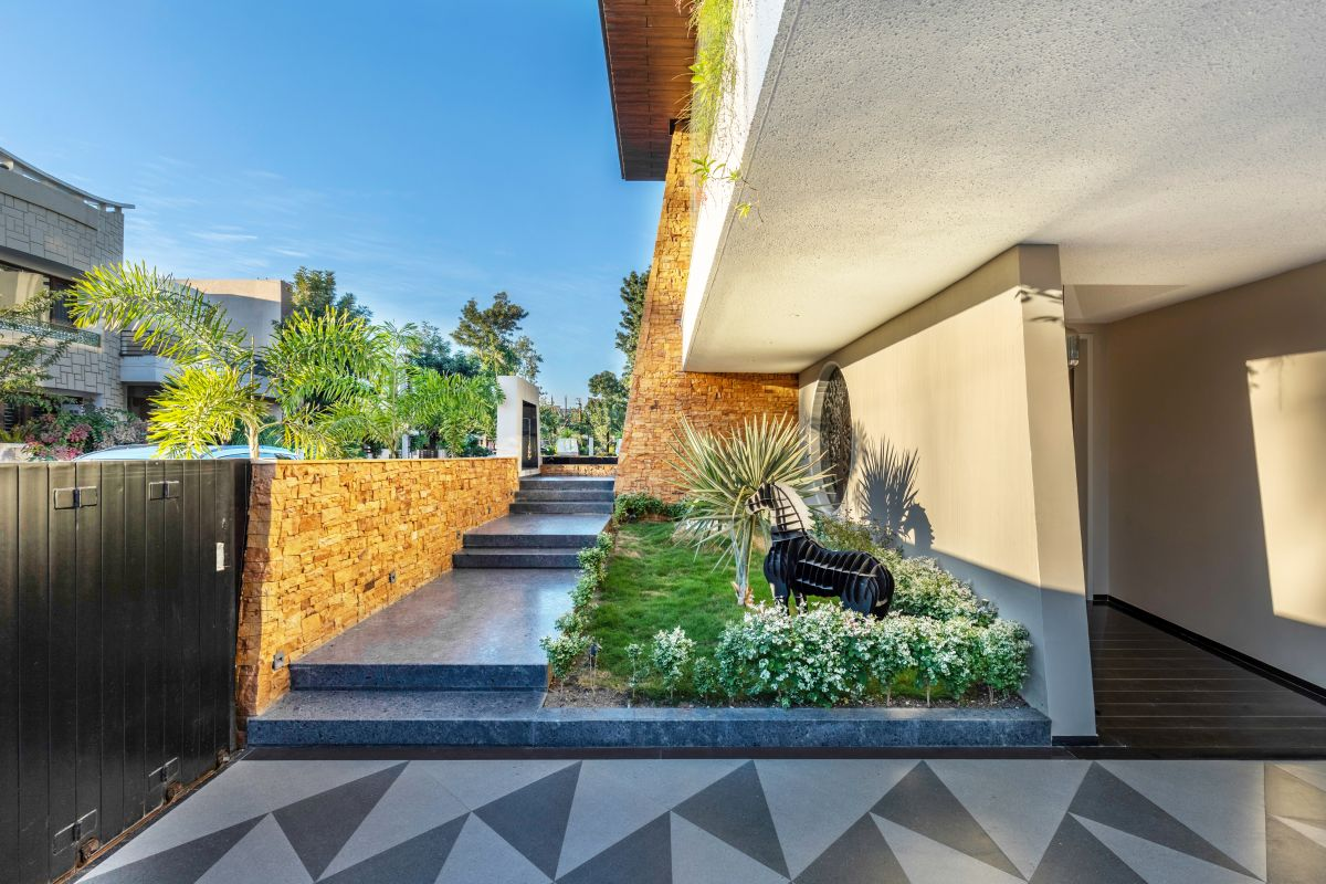 Yellow Stone House, at Indore, by Span Architects 14