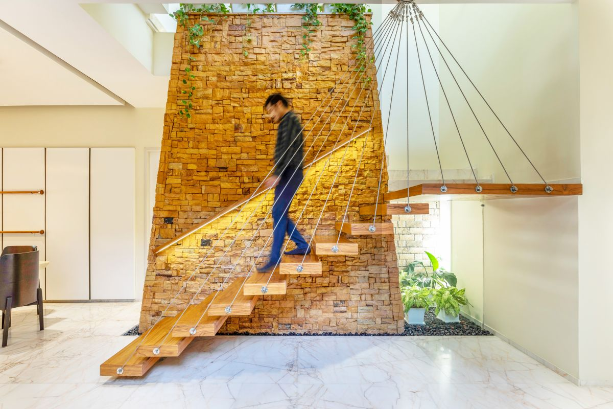 Yellow Stone House, at Indore, by Span Architects 24