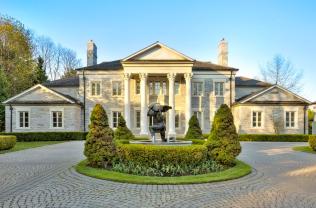 neosclassical-house-exterior