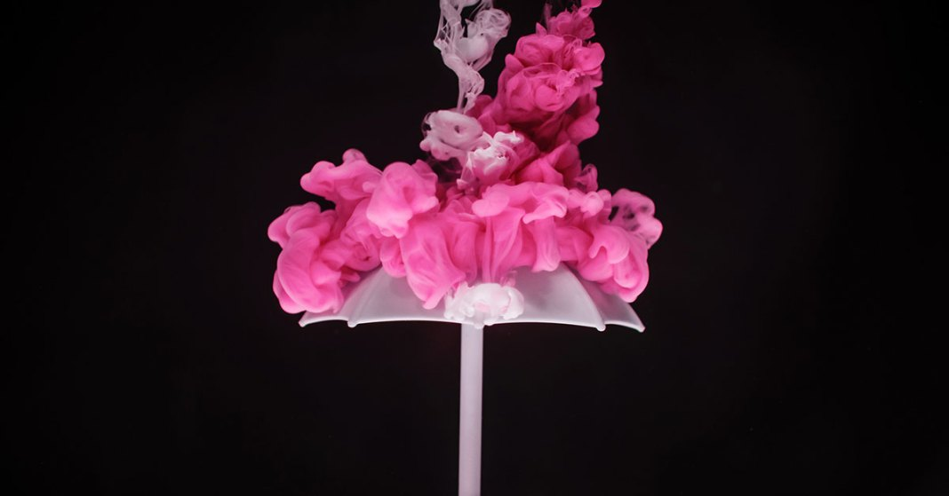 abstrakcyjny różowy dym