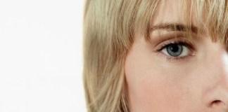 twarz kobiety - widoczne oko