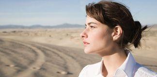 kobieta na pustyni