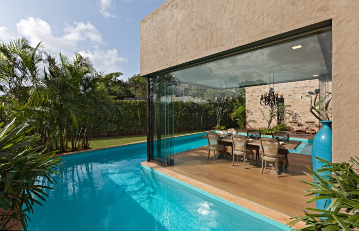 139626534100909 Dining Island    Surrounded with water and lush greenery the Dining area feels like an island