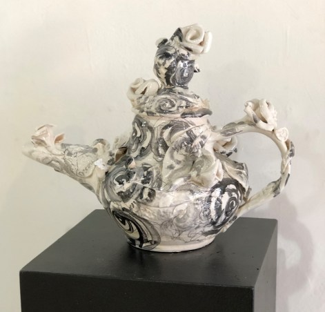 Tea Pot with Roses