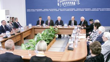 Nalbandian_delegaton-of-Foreign-Policy-Society-of-Finland