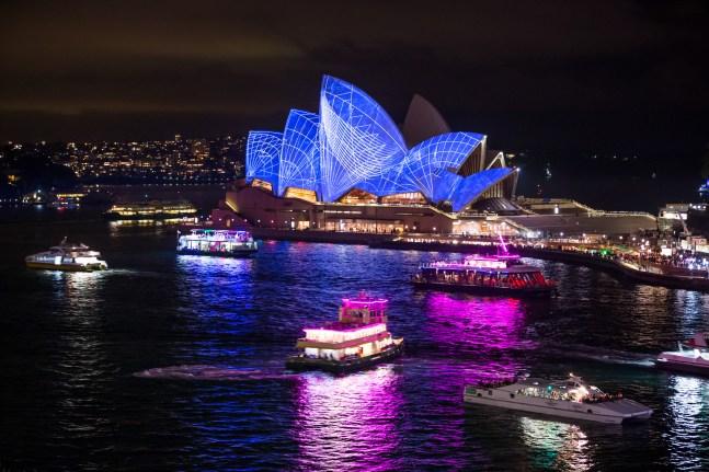 Vivid Sydney 2014 : Lighting of the Sails