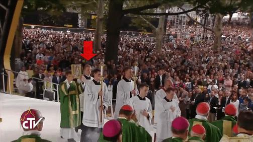 Papal Mass 004