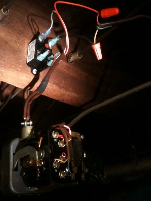 Control a 3wire zone valve with a 2wire thermostat