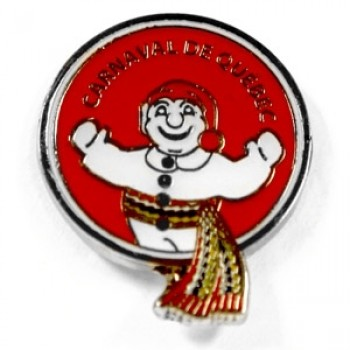 A must-have: a Carnaval souvenir pin brightening any winter outfit; maybe a good-luck charm for the World Snowshoe Race?