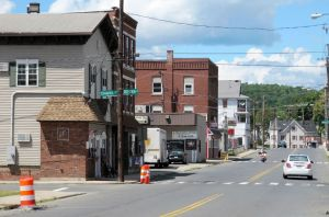 A view of Thomaston Ave. by Boyden St. Waterbury. Steven Valenti Republican-American