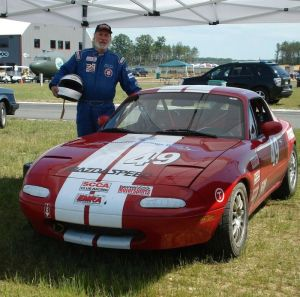 Paul Broomhead was an avid car racer. Broomhead, a physician in Thomaston, died Saturday from cancer. Tom Minuto