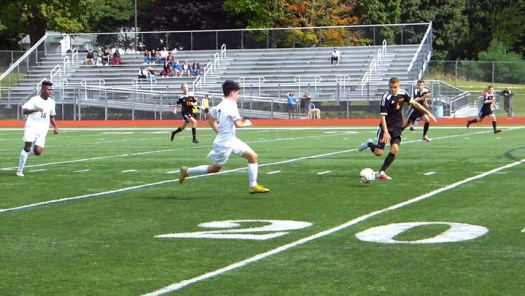 Watertown beats Naugy in another soccer beauty