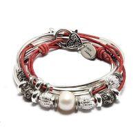 A Lizzy James combination necklace and bracelet