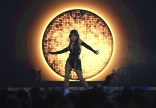 Paula Abdul performs a medley at the Billboard Music Awards on Wednesday, May 1, 2019, at the MGM Grand Garden Arena in Las Vegas. (AP)