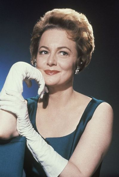 Olivia de Havilland poses in February of 1963. (Associated Press)