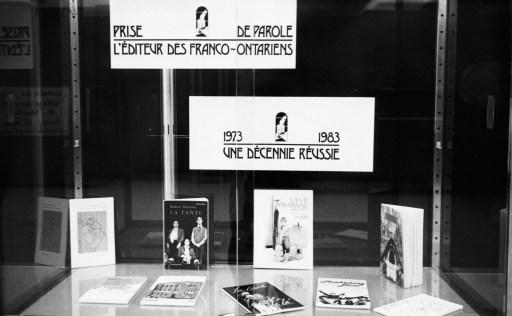Exposition de livres dans le cadre du 10e anniversaire de fondation de Prise de parole, 1983