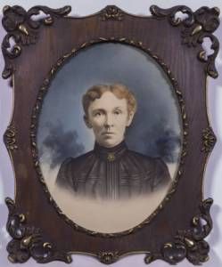 Image of Rosina Hayball Simmonds in a wooden oval frame