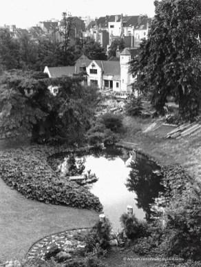 """""""Notre Cercle"""" dans le parc Pierre Paulus à Saint-Gilles, 1973."""