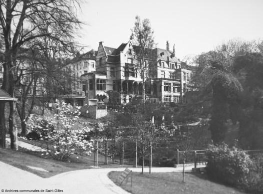 La Maison Pelgrims au parc Pierre Paulus, Saint-Gilles, 1973.