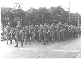 Fête nationale du 21 juillet 1967, photo, Archives communales de Woluwe-Saint-Pierre | Nationale feestdag van 21 juli 1967, foto, Gemeentearchief van Sint-Pieters-Woluwe