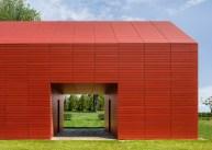 red-barn-roger-ferris_dezeen_1568_5-1