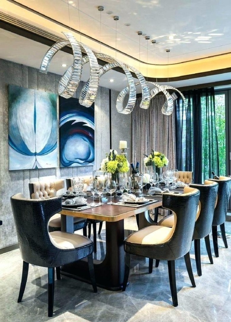 Cool and Luxurious Dining Room