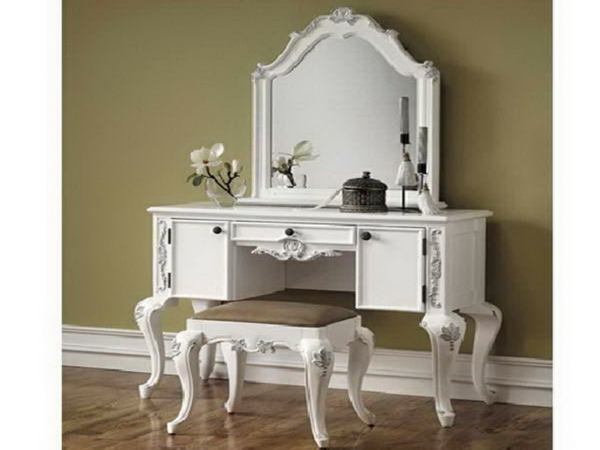 Le Miroir Baroque Est Un Joli Accent Dco