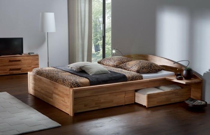 lit en bois avec tiroir de rangement
