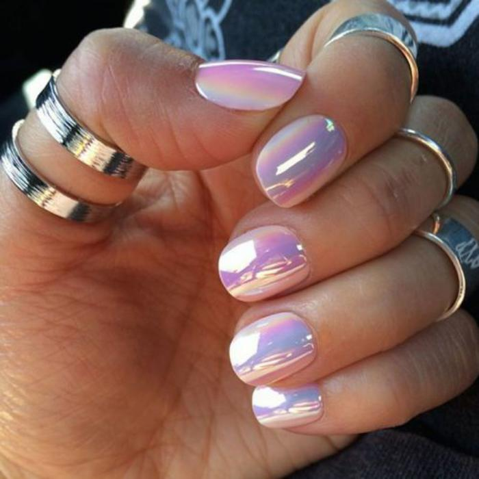 deco nail art ongles holographique lilas