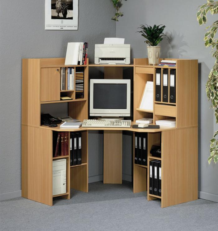 armoire pour ordinateur en bois
