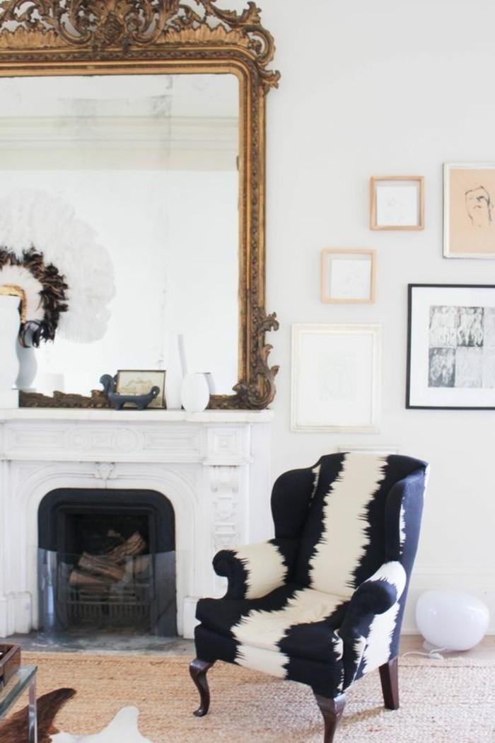 grand miroir ancien idee deco originale chaise peau