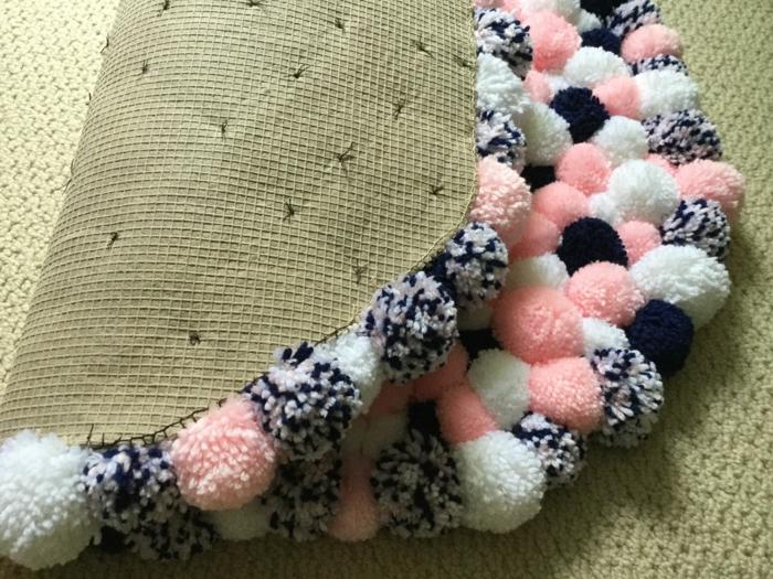 idees fantastiques de tapis en pompon