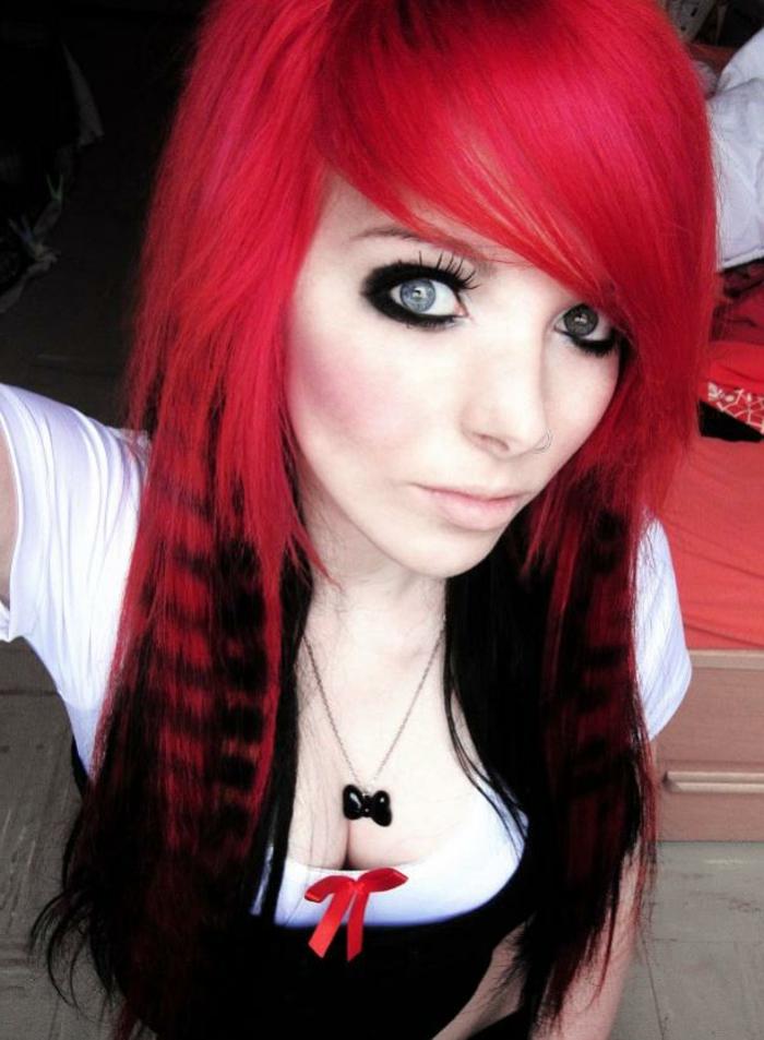 Schwarz Rote Haare Sehen Cool Aus